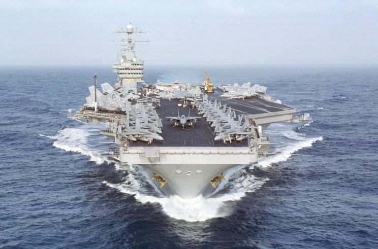 portaerei USS Dwight D. Eisenhower CVN 69
