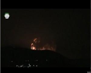 Un fotogramma dell'attacco israeliano in Siria