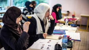 muslim-veil-french-universities.si