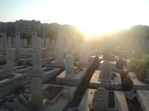 Il cimitero del campo la mattina di Eid - fonte Facebook locale
