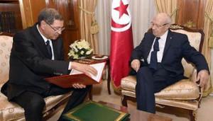 Il primo ministro Habib Essid assieme al presidente Beji Caid Essebsi