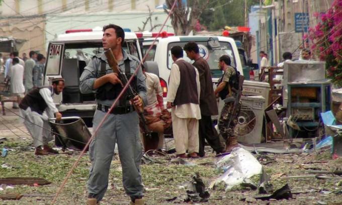attentato consolato pakistan in Afghanistan