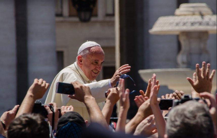 Viganò torna ad accusare la Santa Sede: